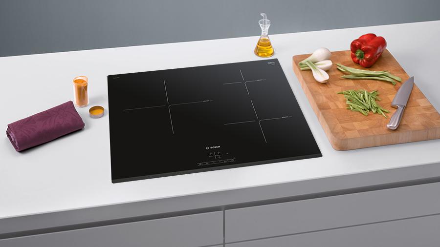 Các mã lỗi của bếp từ sẽ được hiển thị trên mặt bếp, giúp bạn dễ dàng nhận biết và khắc phục nhanh và hiệu quả
