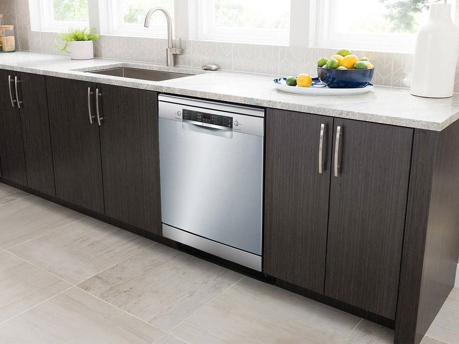 Máy rửa bát Bosch SMS46GI04E sở hữu vẻ ngoài sang trọng, tinh tế, phù hợp với mọi không gian bếp