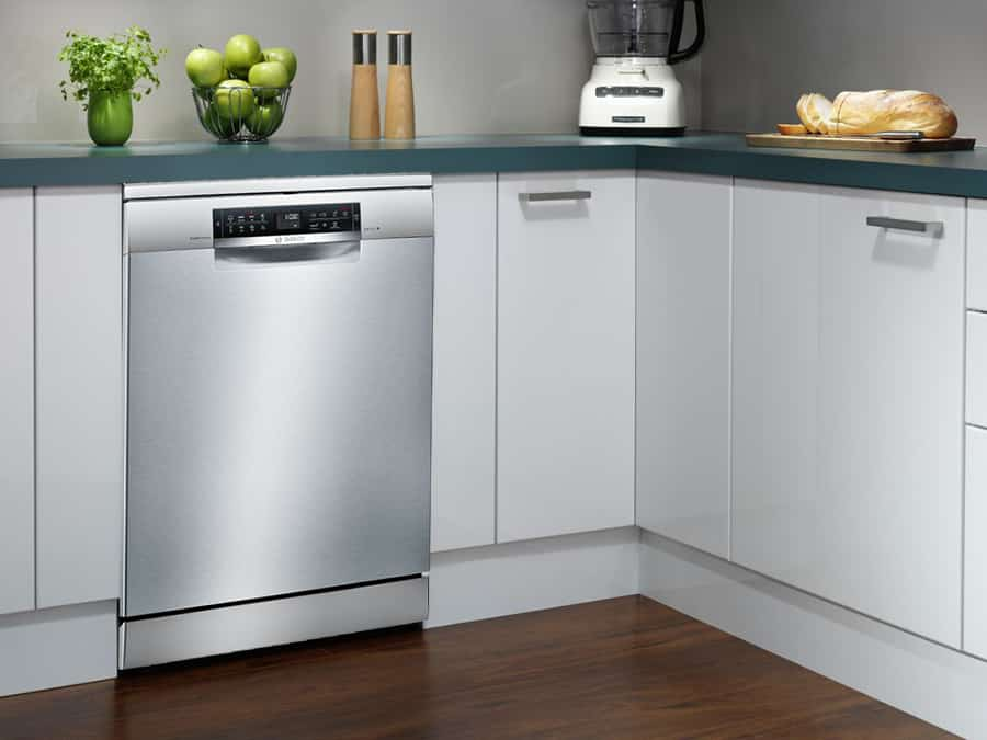Hình ảnh thực tế chiếc máy rửa bát được đặt trong gian bếp