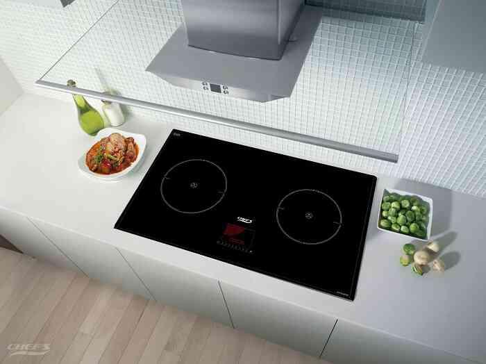 Giữ bếp từ sạch đẹp tạo không gian góc bếp sang trọng, đẹp đẽ