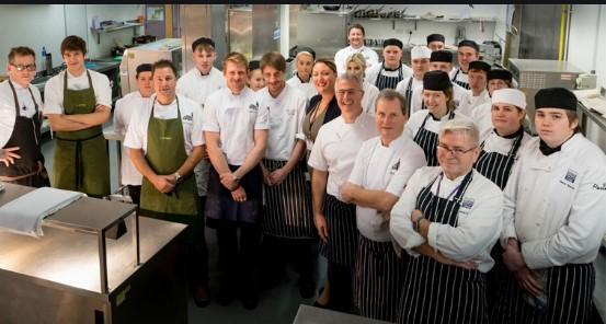 Với dội ngũ kĩ sư giàu kinh nghiệm tập đoàn Chefs luôn đi đầu trong lĩnh vực sản xuất thiết bị nhà bếp