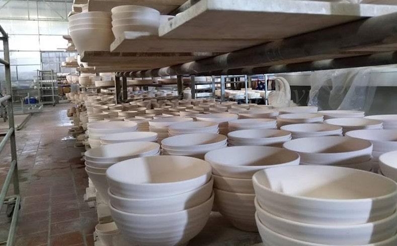 Một vài đồ gốm sứ có thể rửa bằng máy rửa bằng máy rửa bát nếu xử lý đúng cách