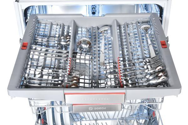 Ảnh giàn đựng bát đĩa của máy rửa bát Bosch SMV68TX06E