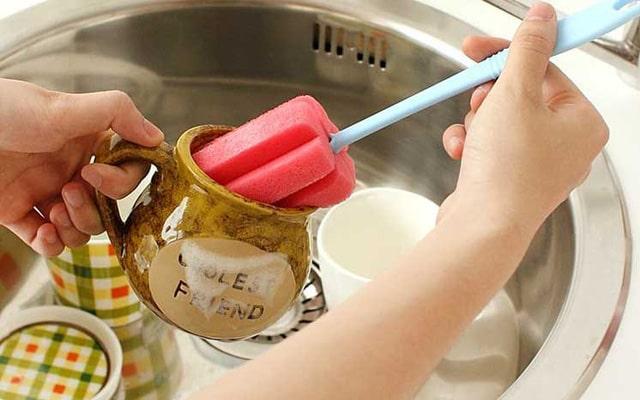Nếu như đồ gốmkhông được bền thì chúng ta nên rửa bằng tay