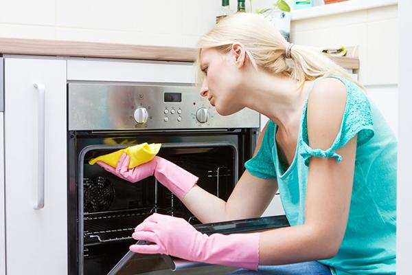 Cách làm sạch lò nướng trong căn bếp của bạn
