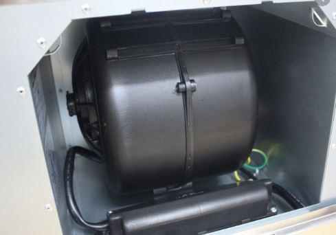 động cơ bên trong máy hút mùi