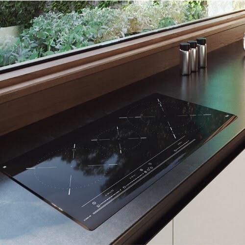 Hình ảnh chiếc bếp từTeka IZ 8320 HS
