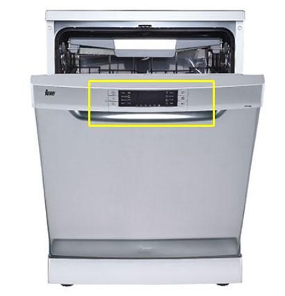 Bàn phím của máy rửa bátTEKA LP9 850 được để vị trí dễ điều chỉnh