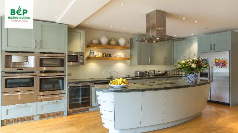 thiết bị nấu nướng hiện đại từ bếp từ, máy hút mùi, lò nướng, lò vi sóng, chậu rửa, vòi rửa, tủ lạnh...