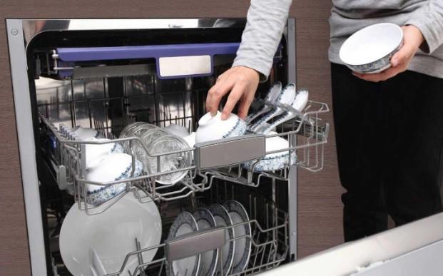 Máy rửa bát có chức năng sấy khô giúp diệt trừ hiệu quả các vi khuẩn gây bệnh