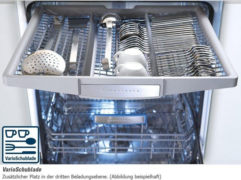 Giàn rửa trên cùng thường để xếp các vật dụng như dao, kéo hay đũa, thìa, dĩa, muỗng