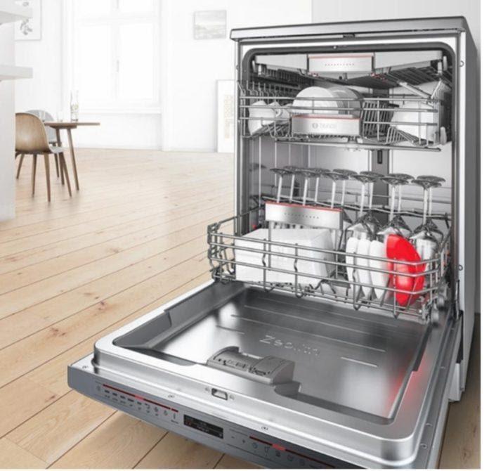 Máy rửa bát Bosch với thiết kế 2, 3 giàn rửa, có sức chứa tối đa 14 bộ bát đĩa Châu Âu