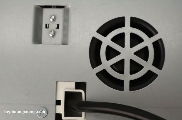 Hệ thống quạt thông gió đặt phía dưới bếp từBOSCH PPI82560MS