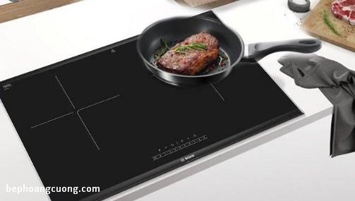 Nấu ăn trên chiếc bếp từ BOSCH PPI82560MS mang lại hương vị thơm ngon
