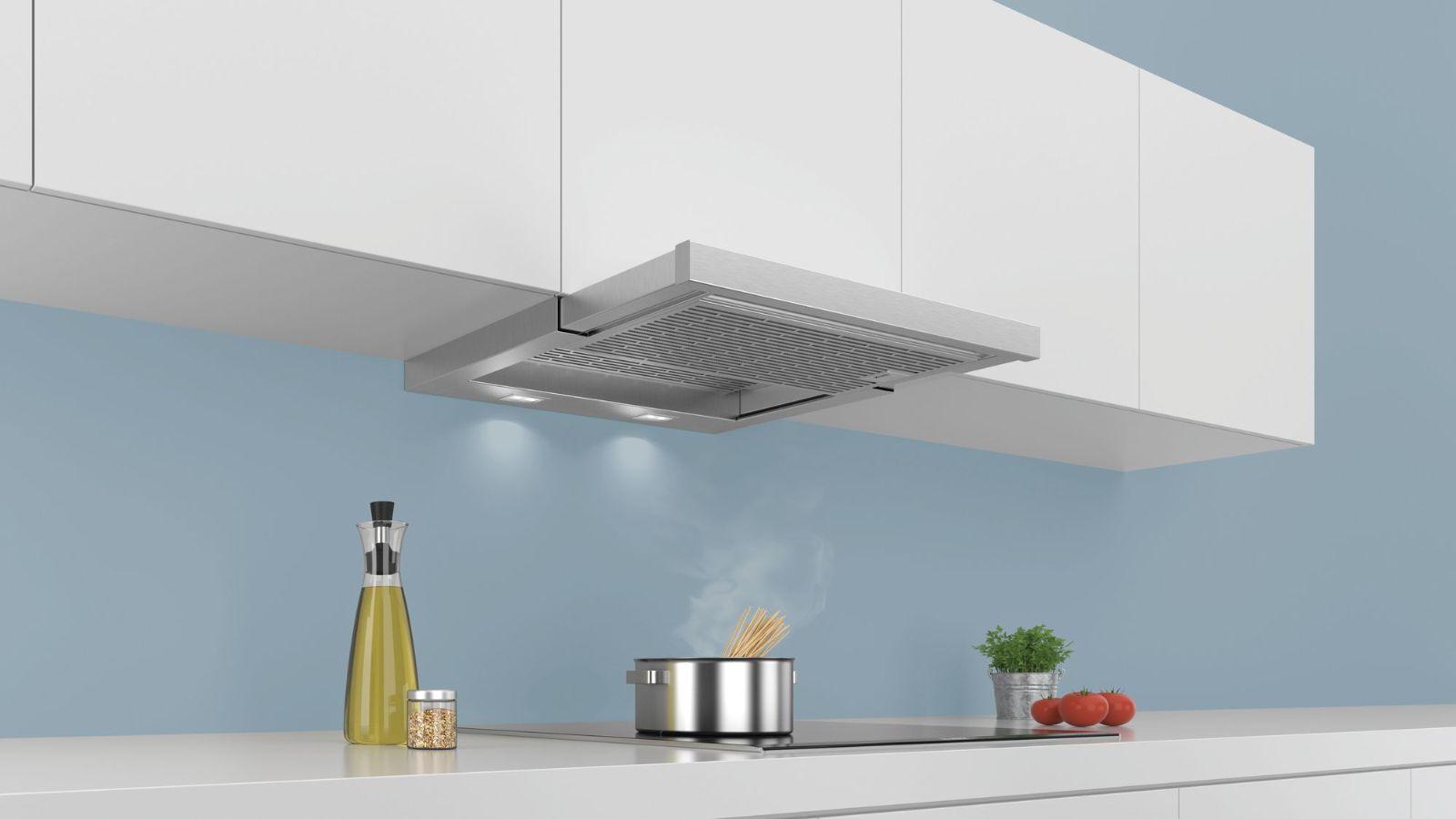 Hình ảnh chiếc máy hút mùi âm tủBOSCH DHL755BLtrong gian bếp
