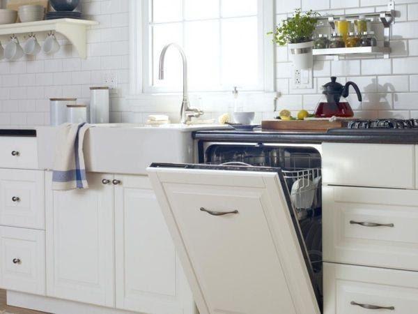 Máy rửa bát âm tủ mang đến sự gọn gàng và sang trọng cho căn bếp