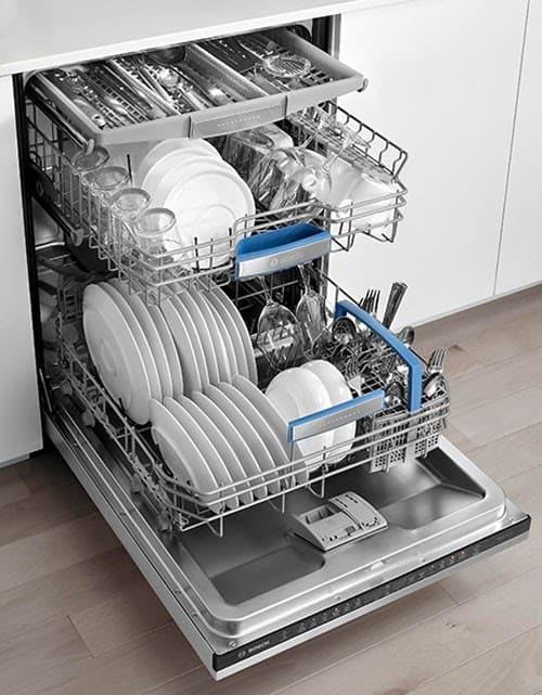 Bosch SMS46MI05E thiết kế với 3 giàn rửa dung tích lớn