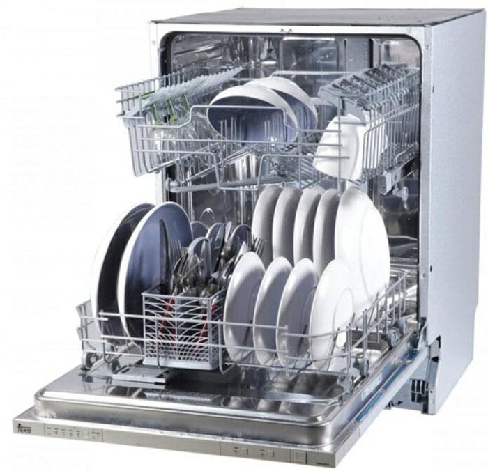 Công việc xếp đồ vào máy rửa bát vô cùng quan trọng