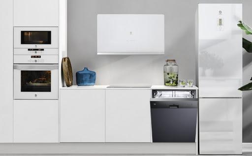 Hình ảnh máy rửa bátTEKA DW9 55S trong gian bếp