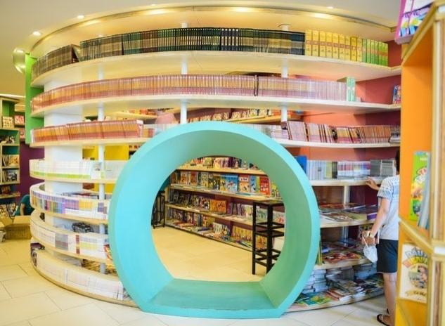 Nhà sách Cá Chép – không gian đẹp với những kho sách ấn tượng