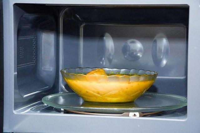 Nấu canh bằng lò vi sóng