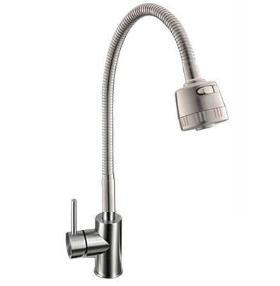 Vòi rửa bằng inox có độ bền tốt hơn và sang hơn vòi bát nhựa